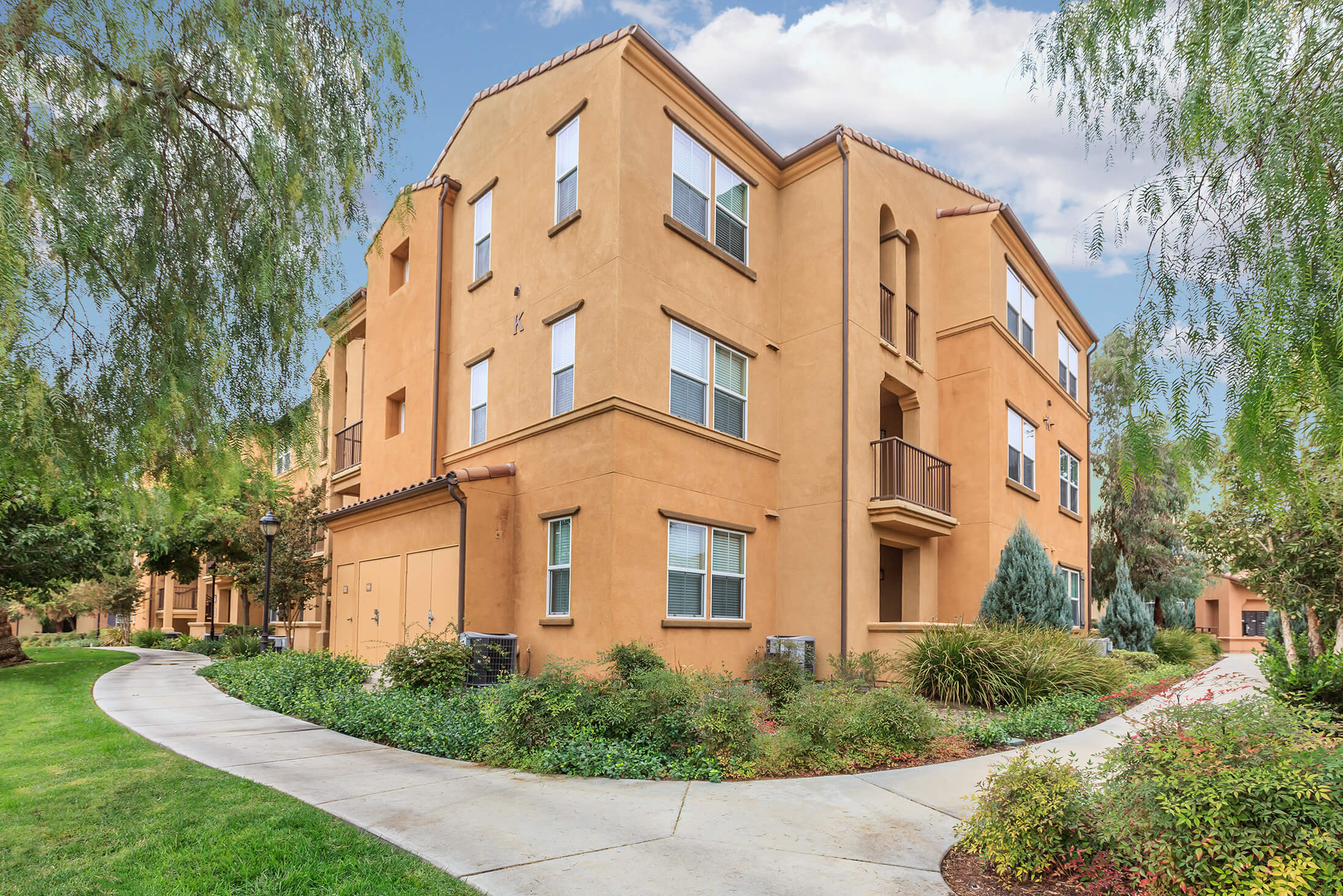 Slideshow Image 5 Centrally Located In Upland California College Park Apartment Homes